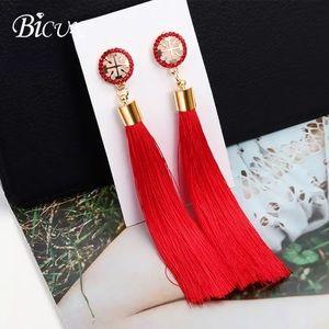 Jewelry - Long tassels drop earrings